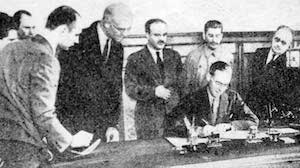 British Ambassador Stafford Cripps signing a mutual assistance agreement between the United Kingdom and the Soviet Union, Moscow, 12 Jul 1941