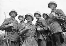 World War II Today: August 5 - Soviet troops at Smolensk, Russia, 1 Jul 1941 (Russian International News Agency)
