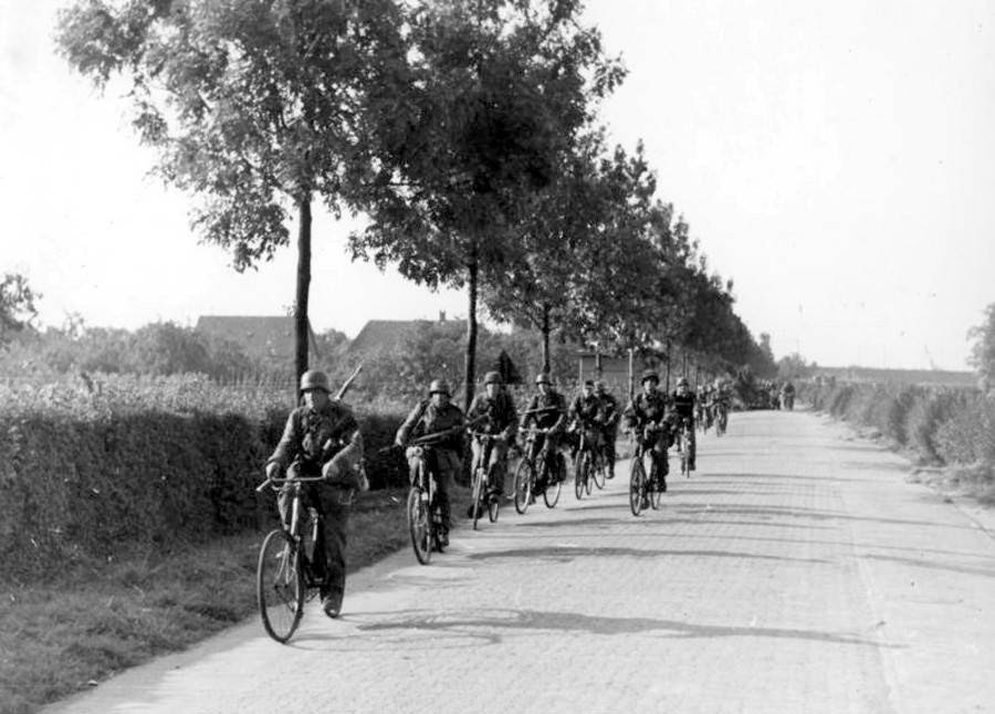 German SS soldiers on bicycles during the battle