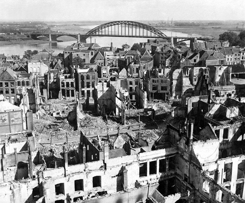 Nijmegen and the local bridge after the battle, seen from the south side of the river Waal.