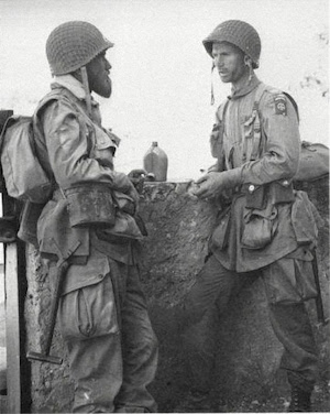"Gavin (right) with war correspondent Jack ""Beaver"" Thompson at Biazza Ridge in Sicily"